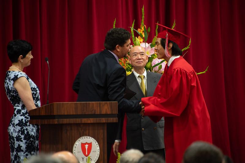 Senior -Graduation-YIS_3223-2018-19.jpg
