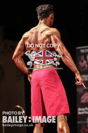 MEN'S PHYSIQUE UP TO 182 CM