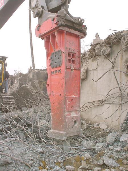 NPK E240 hydraulic hammer (3).jpg