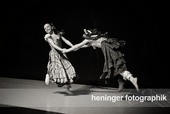 Gallery 15 - Dec 12 Performance