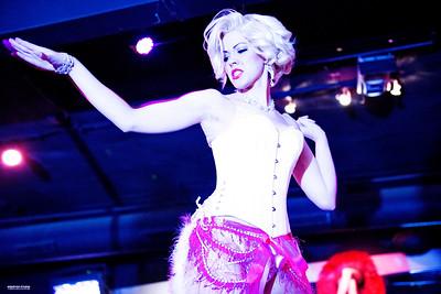 Burlesque: Hollywood Bombshells.