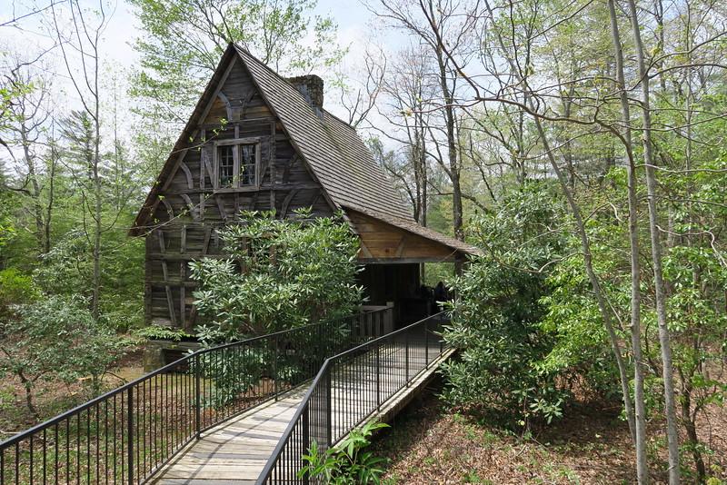 Biltmore Campus Trail -- Cantrell Creek Lodge