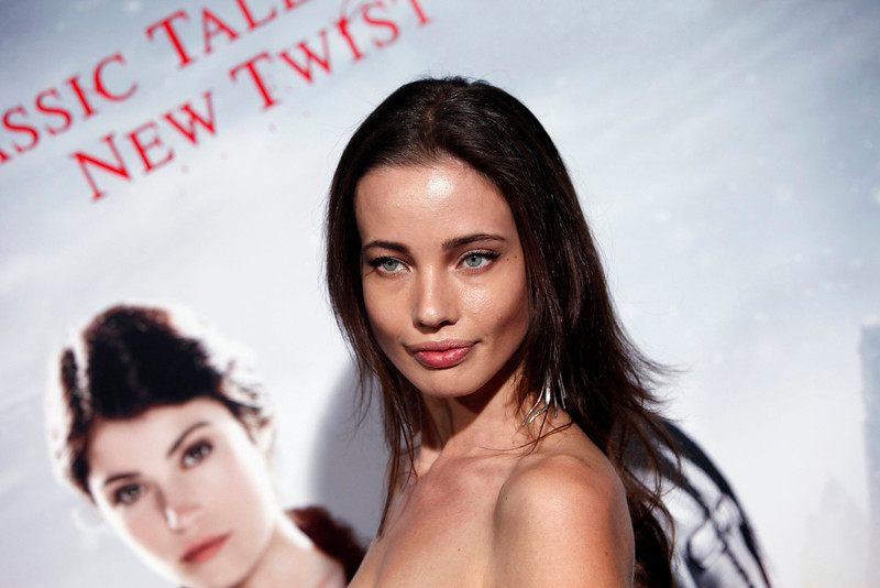 """. Model Stephanie Corneliussen arrives at the premiere of the film \""""Hansel and Gretel: Witch Hunters\"""" at Grauman\'s Chinese Theatre in Hollywood, California January 24, 2013. REUTERS/Patrick Fallon"""