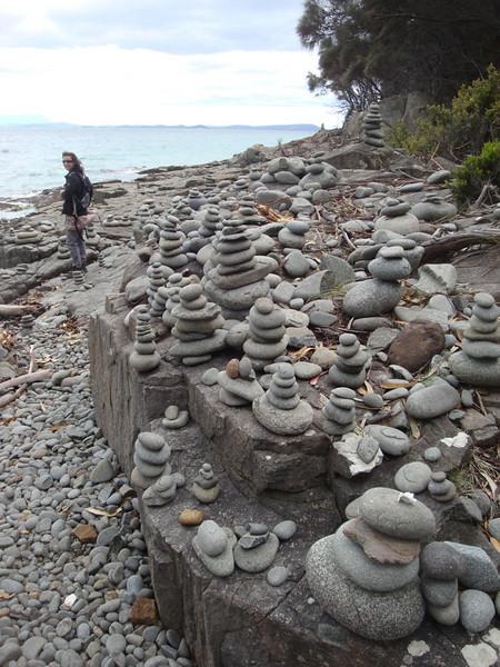 Penguin Is trail cairns JdeB.JPG