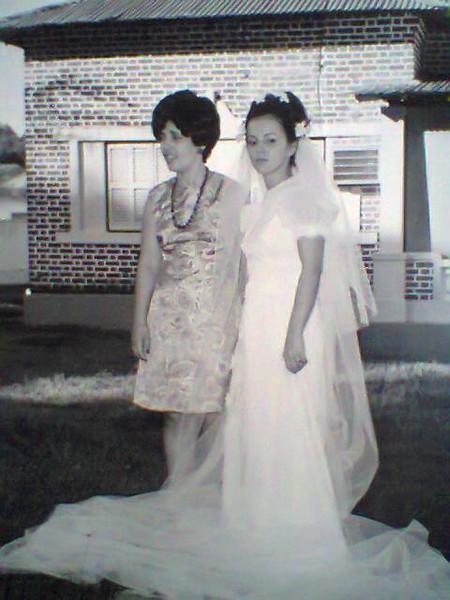 Perolina Trindade e Lena Sebastiao Vaz