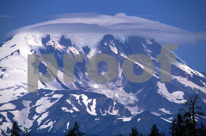 Mt.  Adams avalanche 0897.jpg