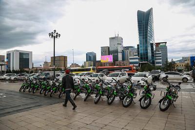 БОАЖ-ын сайд Д.Сарангэрэл Тусгай хамгаалалттай газар нутгийн хамгаалалтын болон сав газрын захиргаадад мотоцикл гардуулах ёслол боллоо