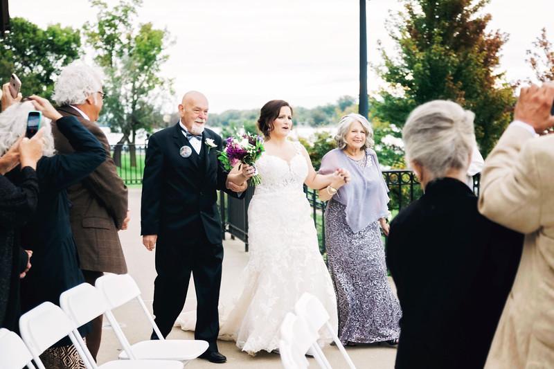 chateau-on-the-river-trenton-michigan-wedding-0248.jpg