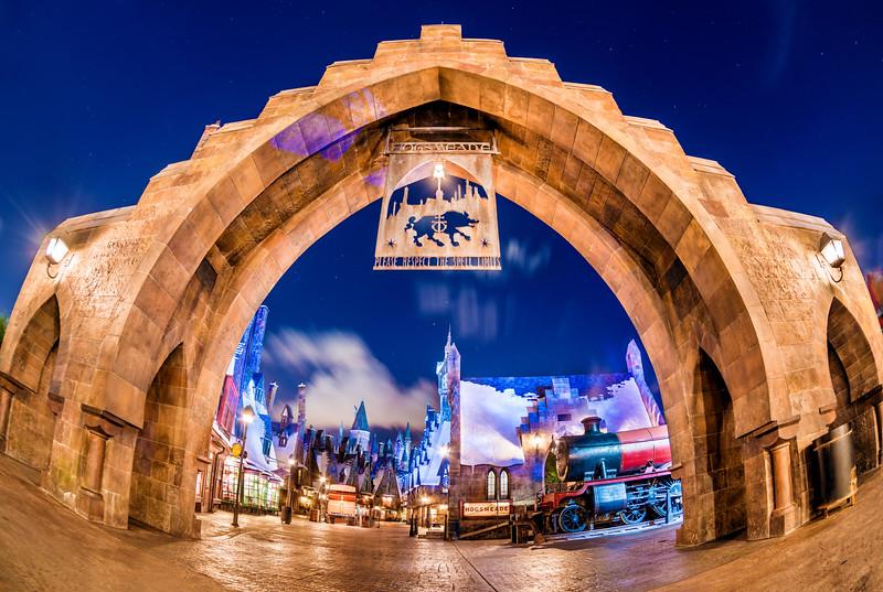 hogsmeade-archway-entrance-wizarding-world-harry-potter-universal.jpg