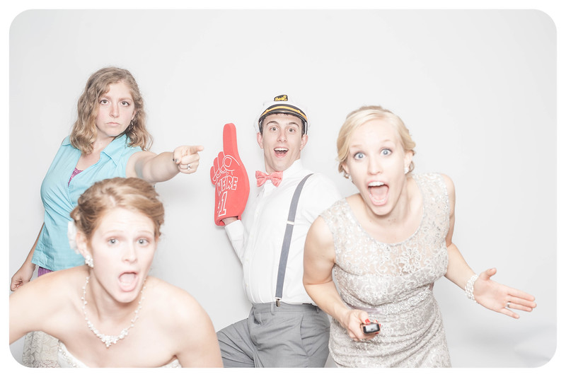 Laura+Ross-Wedding-Photobooth-209.jpg