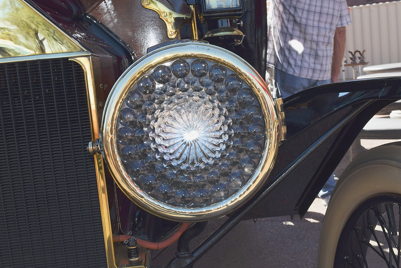 Ford 1913 T Town Car Limousine headlight.JPG
