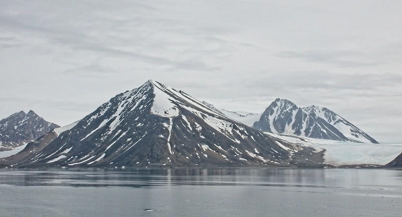 liefdefd fjord, svalbard archipelargo 1.jpg