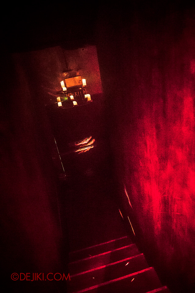 Halloween Horror Nights 6 - Salem Witch House / Staircases