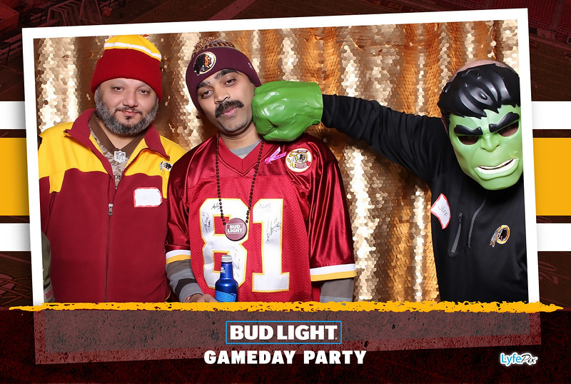 washington-redskins-philadelphia-eagles-football-bud-light-photobooth-20181203-204055.jpg