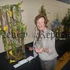 R1339107 Flower Lady