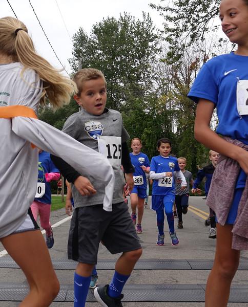 Kids race, boy winner