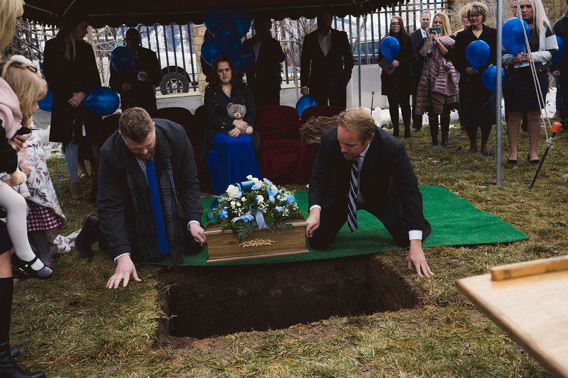baby dew funeral-74.jpg