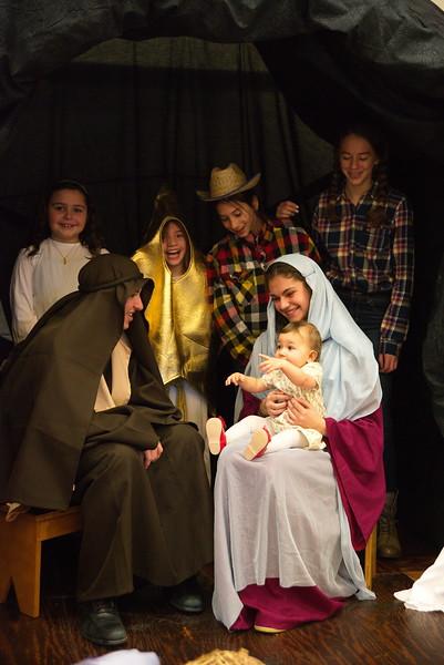 2014-12-21-Christmas-Pageant_221.jpg