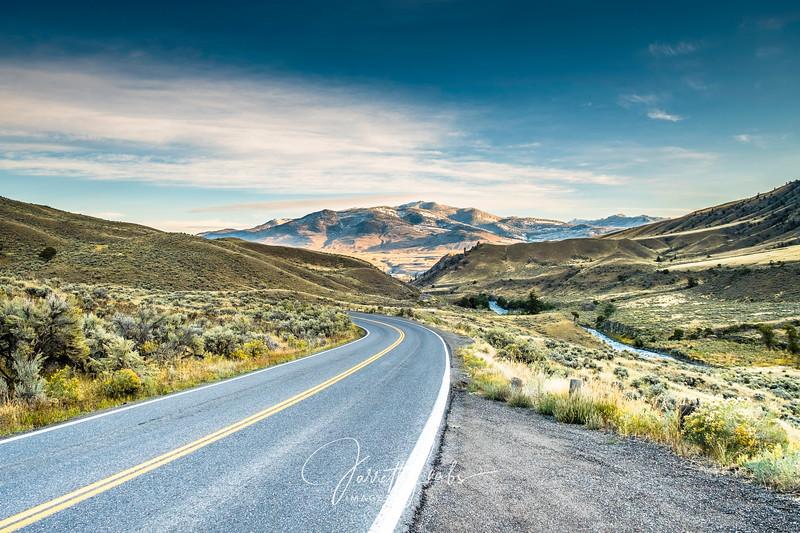 YellowstoneRoadWeb.300-2200.jpg