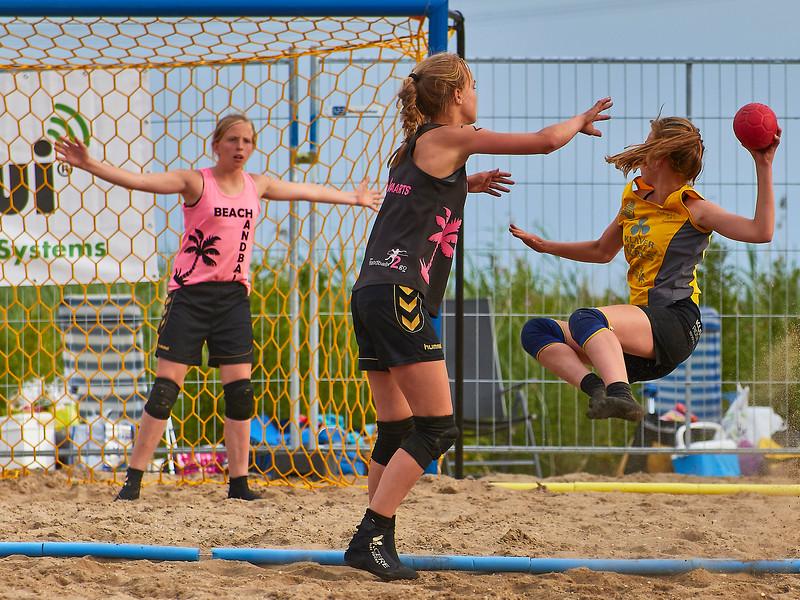 Molecaten NK Beach Handball 2017 dag 1 img 506.jpg