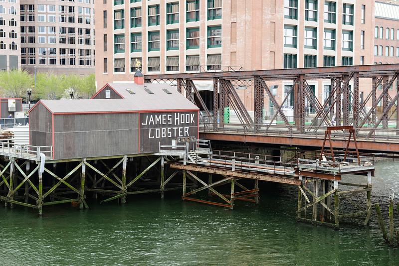 2014-04 James Hook Lobster from Evelyn Moakley Bridge (Seaport Ave) 001.jpg