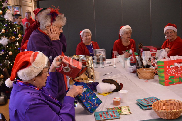 12-18-15 NEWS Red Hat Society Christmas Party