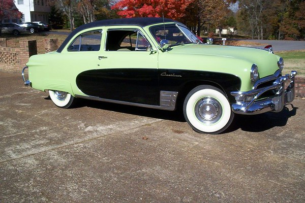 SPORTSMAN'S GREEN 1950 FORD CRESTLINER