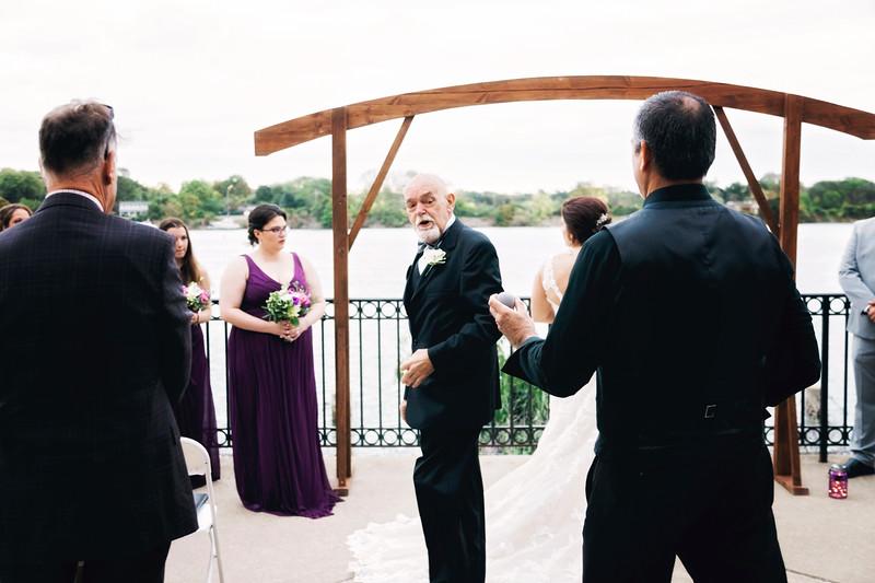 chateau-on-the-river-trenton-michigan-wedding-0264.jpg