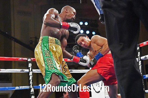Bout #5:  Willie Nelson, Cleveland, OH  vs  Alexis Hloros, Mount Clemens, MI  MIDDLEWEIGHTS
