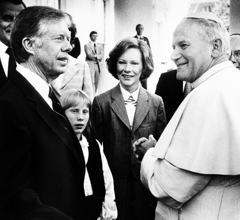 . AP DC - President Jimmy Carter, his wife Rosalyn and daughter Amy greet Pope John Paul II at the White House in Washington, Saturday, Oct. 6, 1979. (AP Photo-pool)
