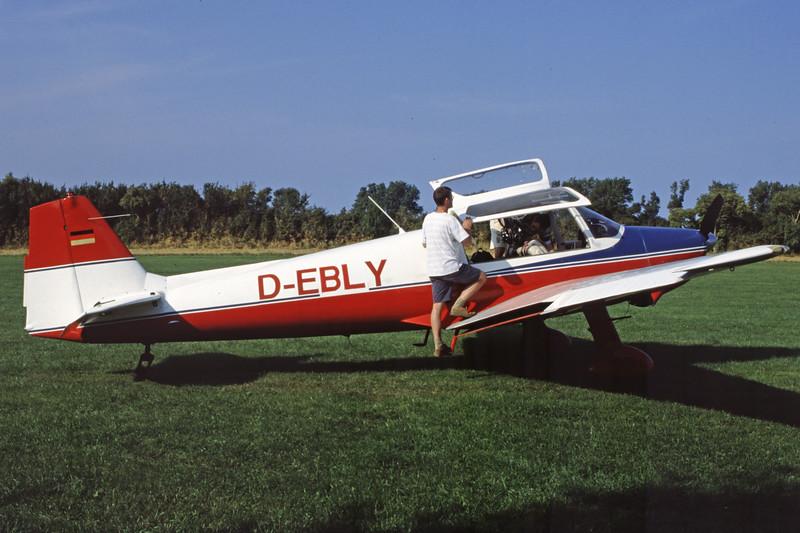 D-EBLY-BolkowBo-207-Private-EKEL-2001-08-22-LB-26-KBVPCollection.jpg