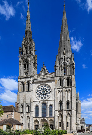 May 3 - Morning Walk and  the City of Chartres