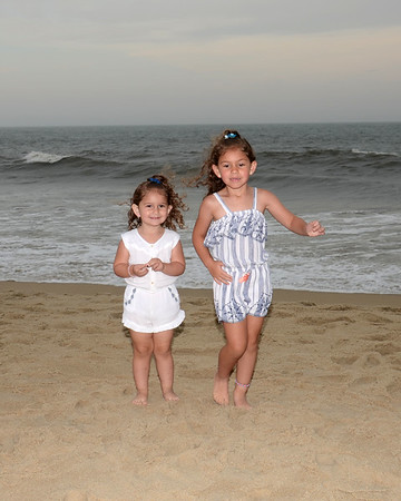 Medina Family Beach Portraits  Aug. 7, 2019