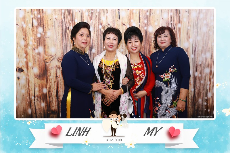 Linh-My-wedding-instant-print-photo-booth-in-Ha-Noi-Chup-anh-in-hnh-lay-ngay-Tiec-cuoi-tai-Ha-noi-WefieBox-photobooth-hanoi-18.jpg