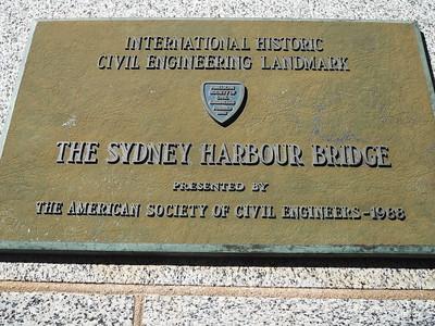 Walk across Harbour Bridge