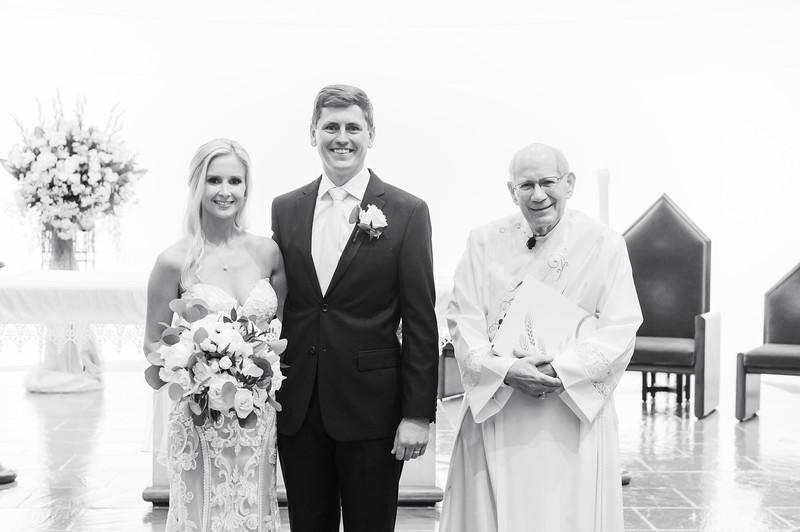 Hanna & Brad Wedding-7810.jpg