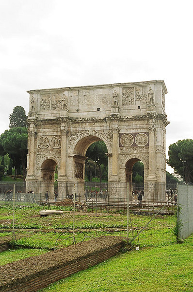 Saturday_Arch_of_Constantine_From_Behind_1