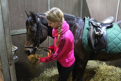 Milou paard rijden 2011-11 niet allemaal goed of scherp