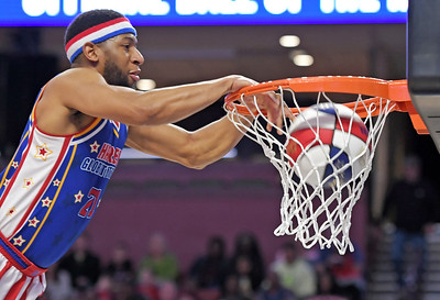 Harlem Globetrotters Play The Well