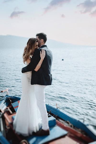 Tu-Nguyen-Wedding-Photography-Videography-Hochzeitsfotograaf-Engagement-Santorini-Oia-Greece-Thira-53.jpg