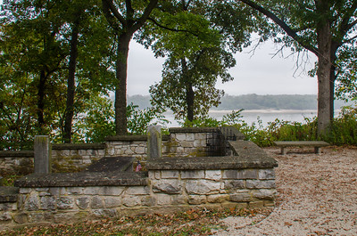 Gov. Daniel Dunklin's Grave SHS (10.09.17)