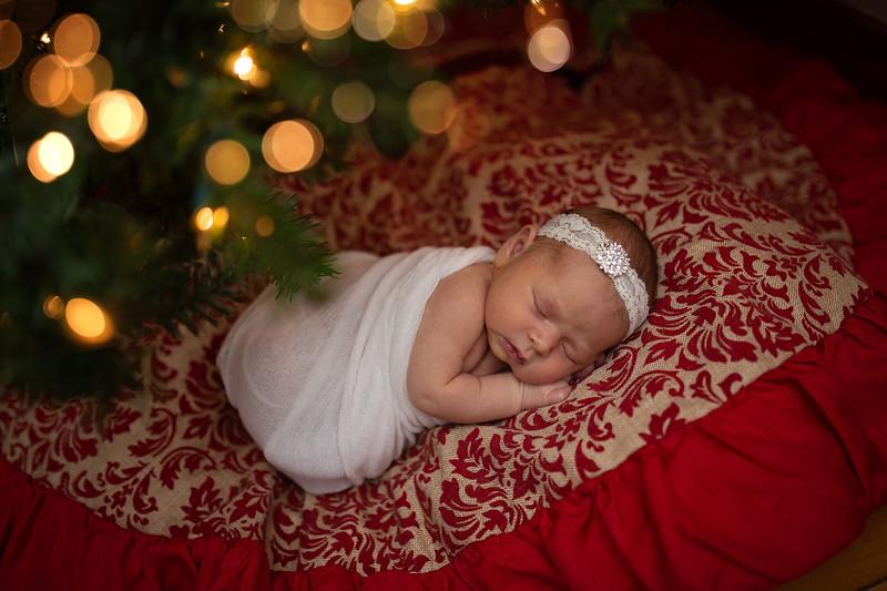 Kaylyn Newborn-123.jpg
