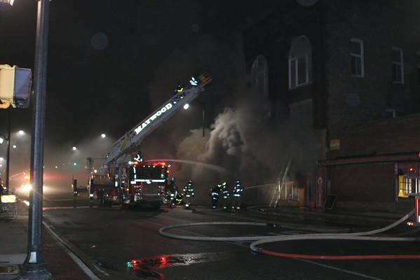 MAYWOOD, IL 5TH & LAKE ST. 3RD ALARM FIRE (2/12/2010)
