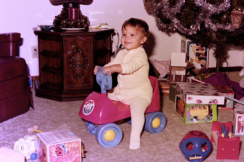 1975-12-25 #16 Anthony's 1st Christmas.jpg