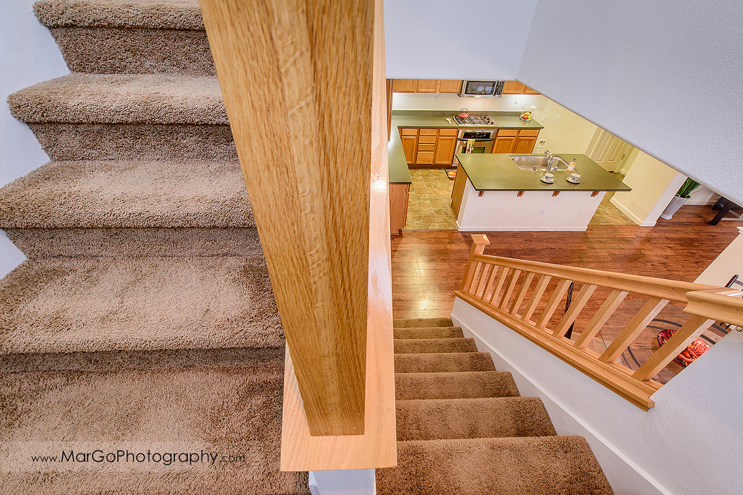 Pittsburd house staricase - real estate photography