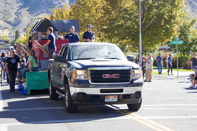 2015_10_10_Homecoming_Parade_7861.jpg