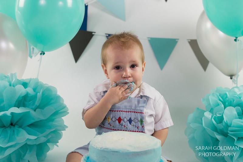 1st birthday cake smash charleston (13).jpg