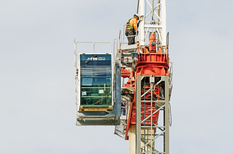 Construction crane removal. Update ed309. Gosford. April 9, 2019.