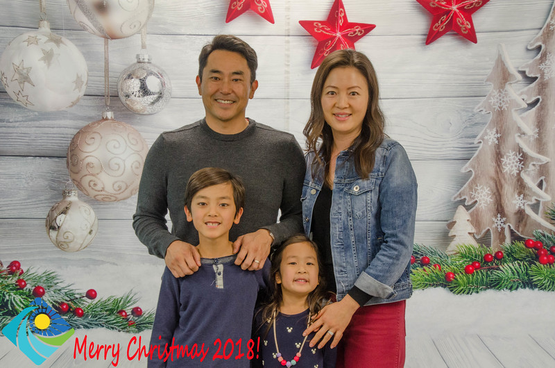Christmas Photobooth 2018 Sunday-110.jpg