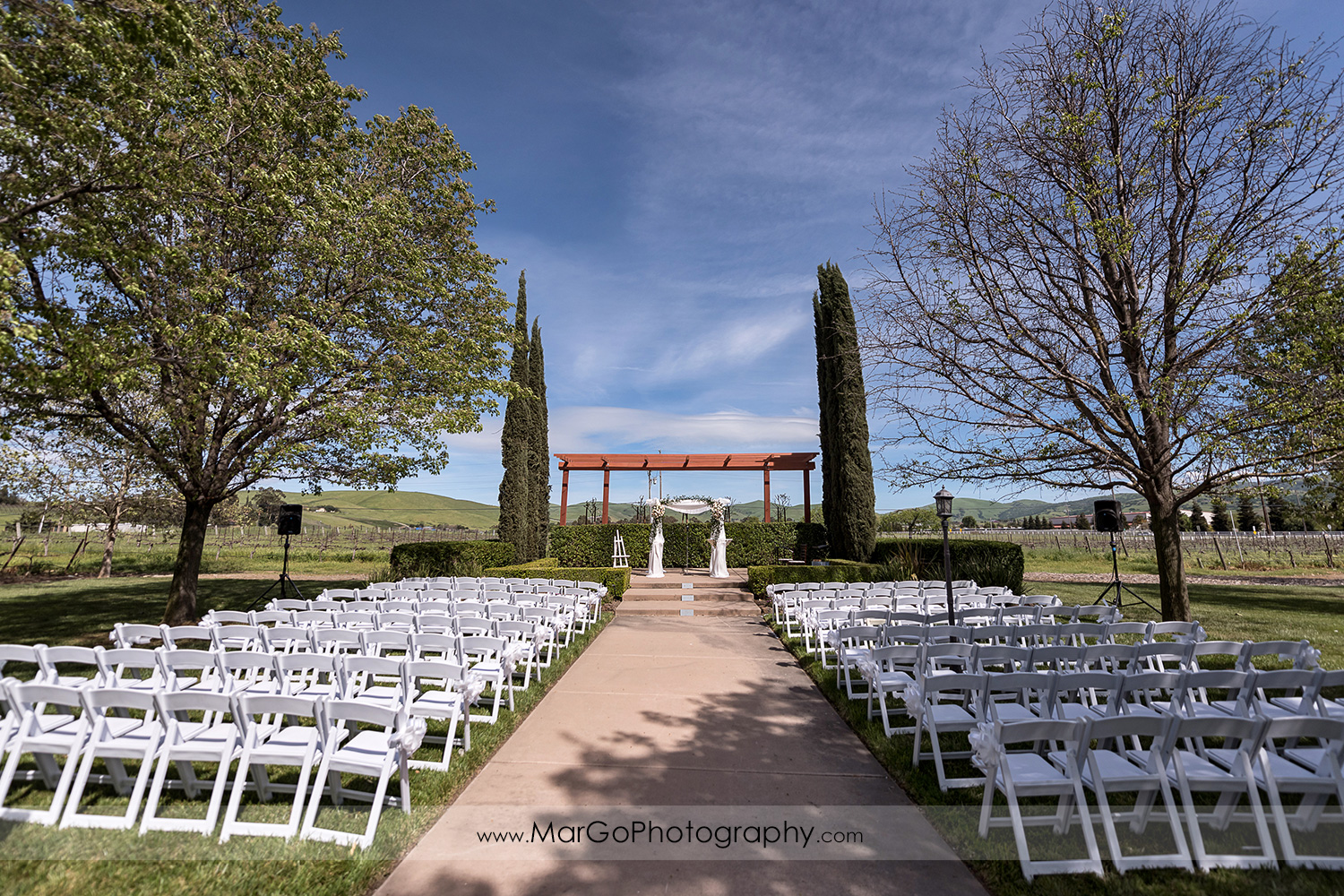 outdoor wedding ceremony site at Livermore Garre Vineyard and Winery